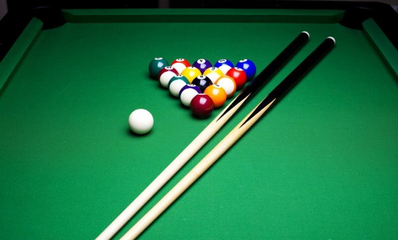 Valley Pool Table - Billiard table and accessories